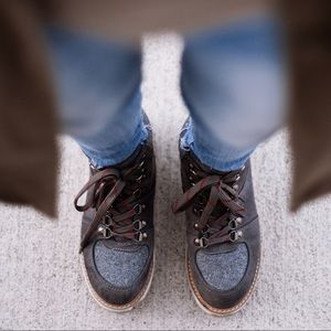 Winter hiking boot